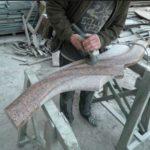 Процесс обработки гранита при изготовлении надгробных памяников