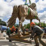 Бронзовый памятник «Ольгерд на коне» в Витебске