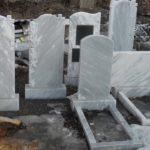 Памятники из мрамора на кладбище — стоит ли брать?